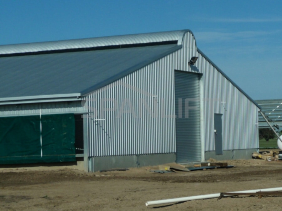 Curtain Sided Free Range Broiler Shed 2 Spanlift b J9W9
