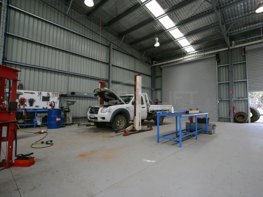 Farm Workshop Shed 13 Spanlift bW18v7 - Gallery