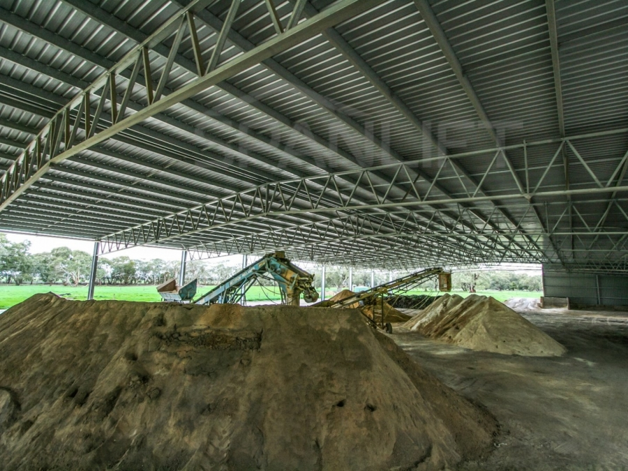 Mixing Shed Bulk Storage 3 Spanlift rHLOV2 - Gallery
