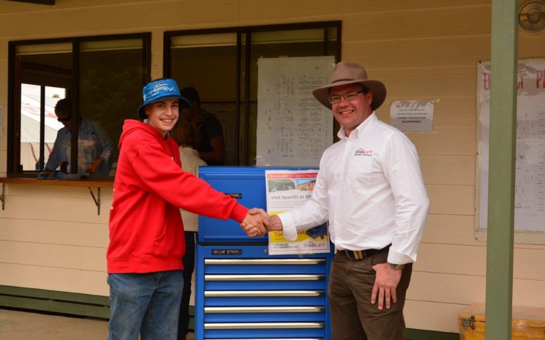 Cameron wins Kincrome Toolbox in Spanlift Raffle at South East Field Days!