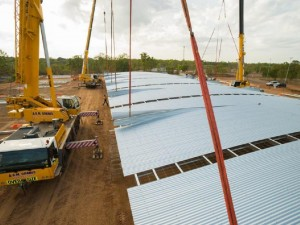 Lifting the first stage of Spanlift Stadium in Darwin